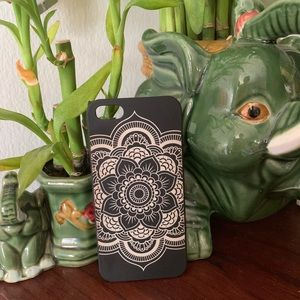 4/$10 Henna floral iPhone 5s phone case